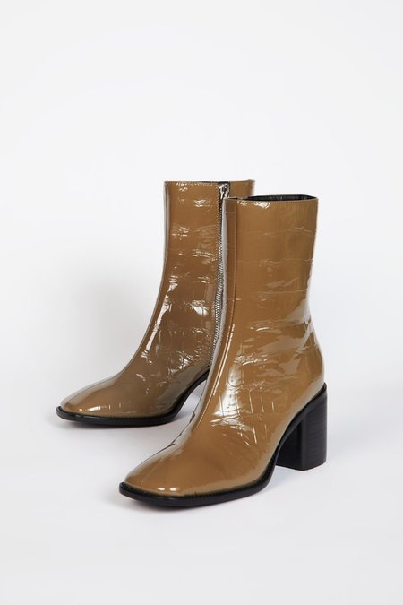 """""""INTENTIONALLY __________."""" CONTOUR boots - Rich Taupe"""