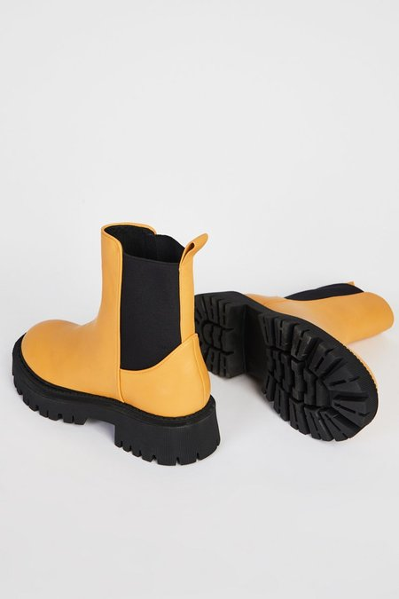 """""""INTENTIONALLY __________."""" GUIDED boots - Marigold"""