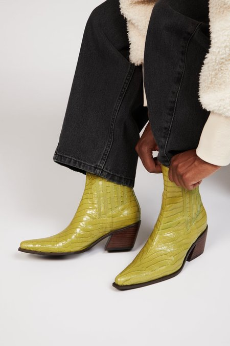"""""""INTENTIONALLY __________."""" HILLARY boots - Apple"""