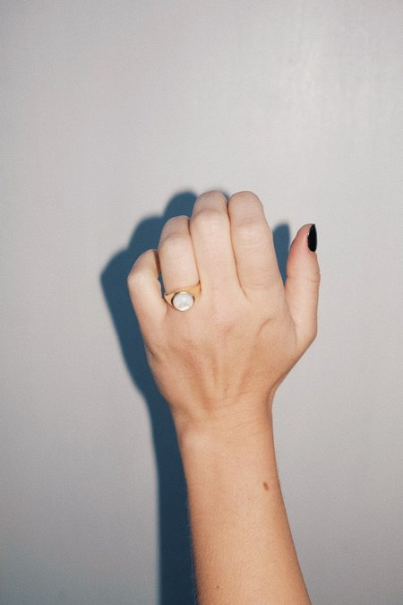 Luiny Luna Perla Ring