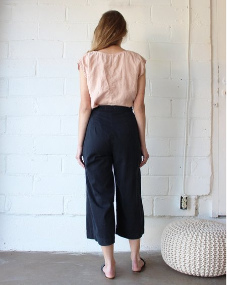 Esby AVA CROPPED PANT - BLACK INK