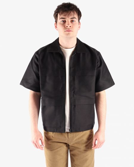GR10K Solid S/S Shirt - BLACK