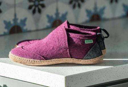 Kyrgies All Natural Tengries House Shoes - Plum