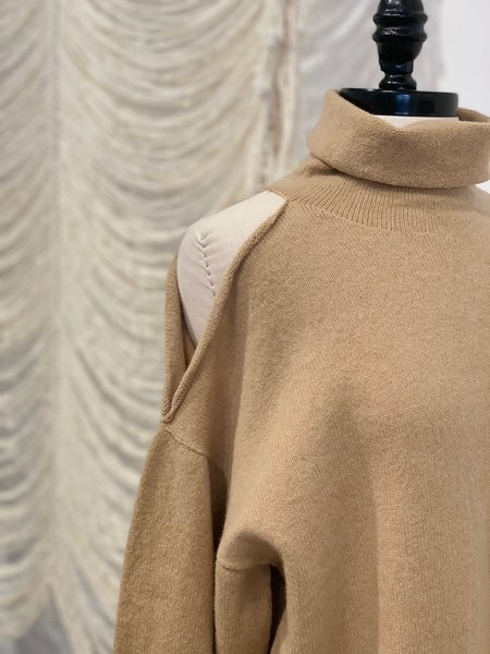 Baserange Eco Wool Jalmos Turtleneck Sweater