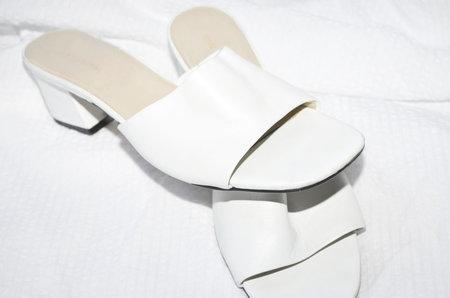 Clan of Cro VINTAGE White leather slides