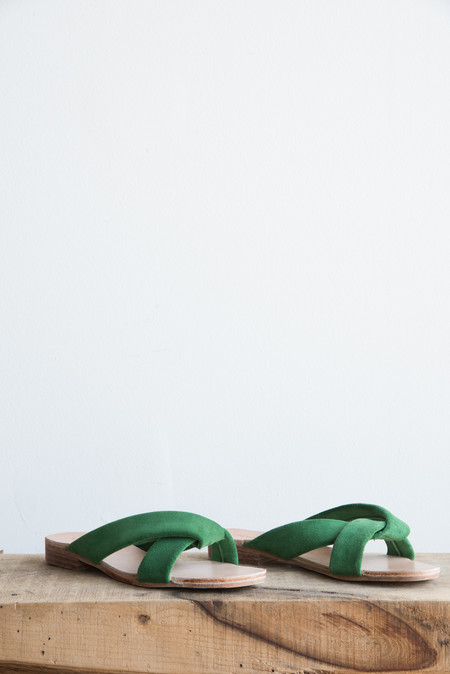 A Détacher Pipit Slide in Green Suede