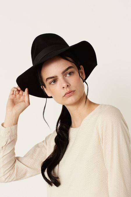 Megan Huntz  Luca Hat