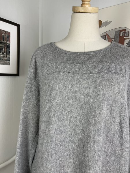 Velvet by Graham & Spencer Grey Cashmere Sweater -Grey