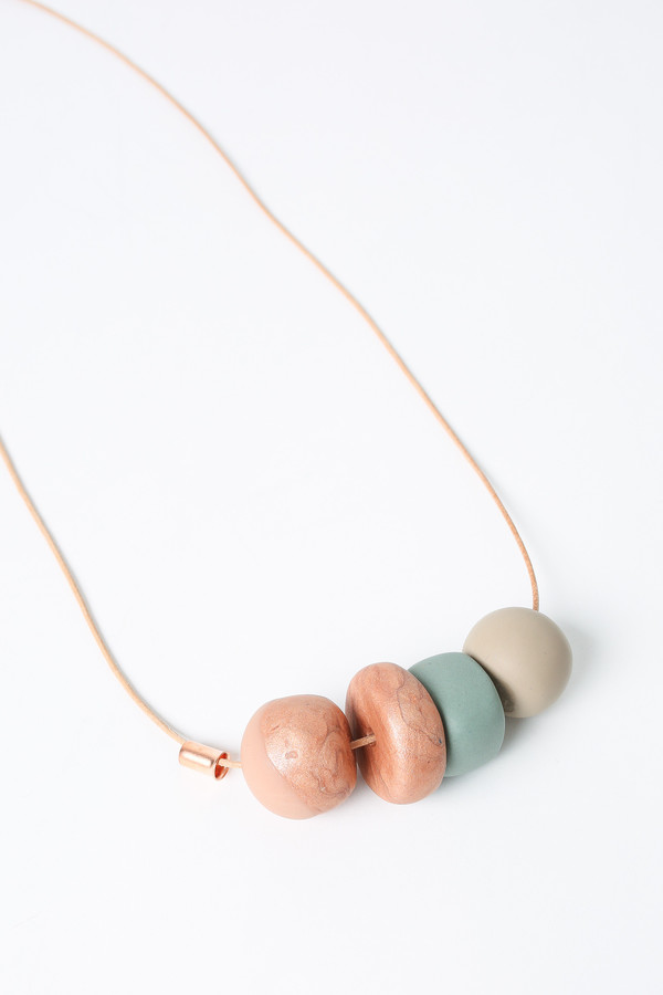 Peppertrain The everyday necklace in slate cube