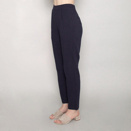 7115 by Szeki Relaxed Tapering Trouser - Navy