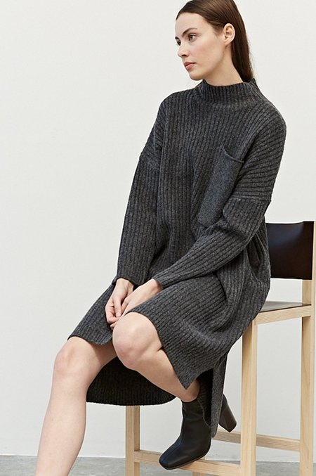 GRADE AND GATHER RIBBED SWEATER DRESS