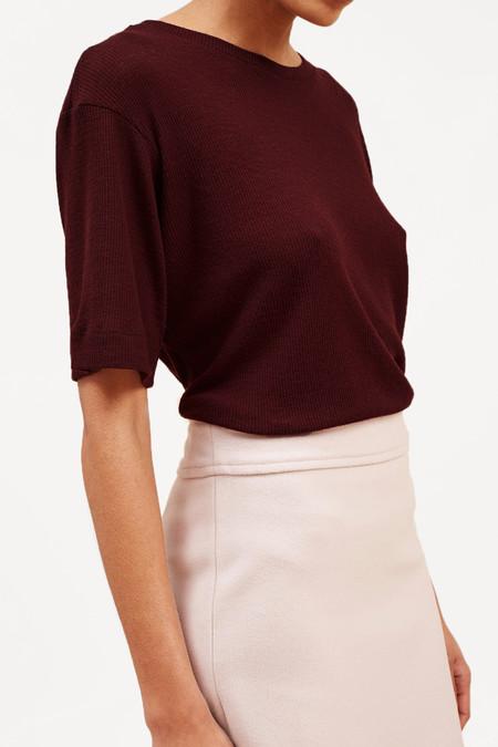 Waltz Studio Fine-Ribbed Wool T-Shirt – Oxblood