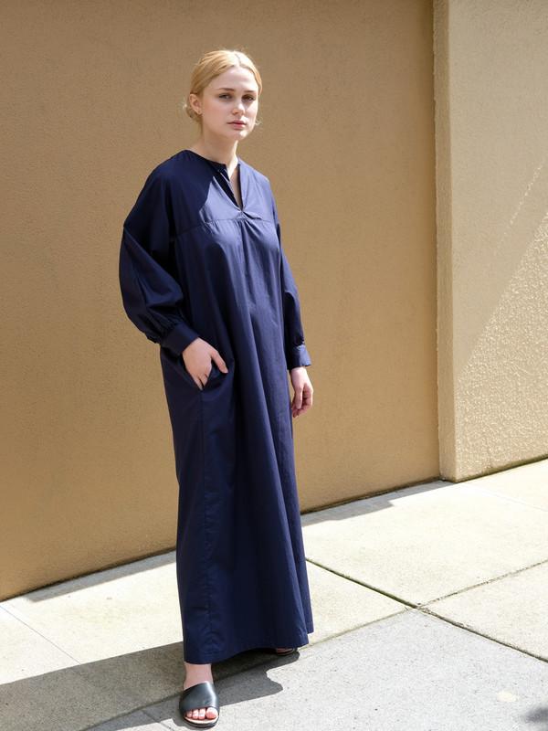 Sunja Link Raglan Sleeve Dress in Navy Poplin