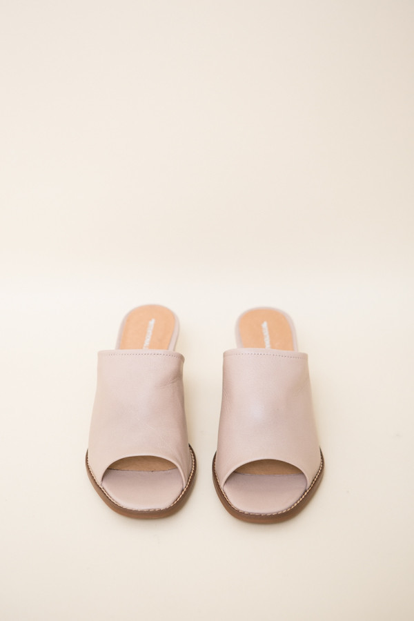 Intentionally Blank Skipper in Nude Leather