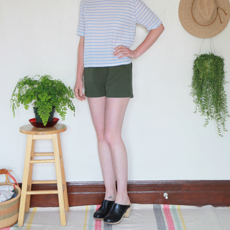 Me & Arrow Shorts Army Green Slub Cotton