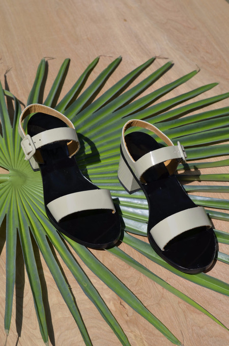 LOQ Altea Sandal in Piedra