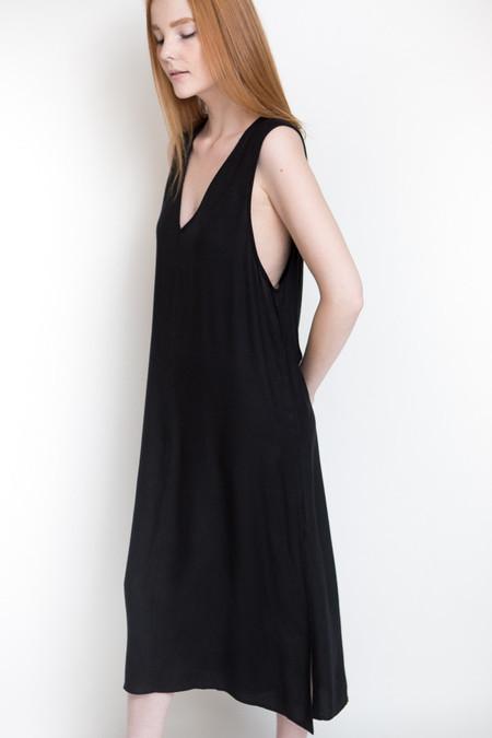 Ali Golden V-Neck Midi Dress - Black