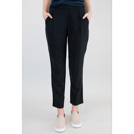 7115 by Szeki Relaxed Tapering Trouser
