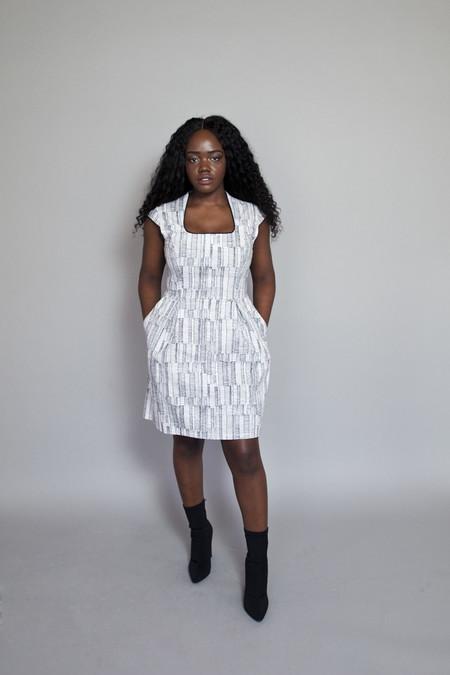 Jennifer Glasgow – Emanate Dress Black and White Lines