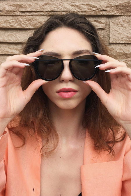 Rejina Pyo Matte Black Frame with Grey Butterfly Lens