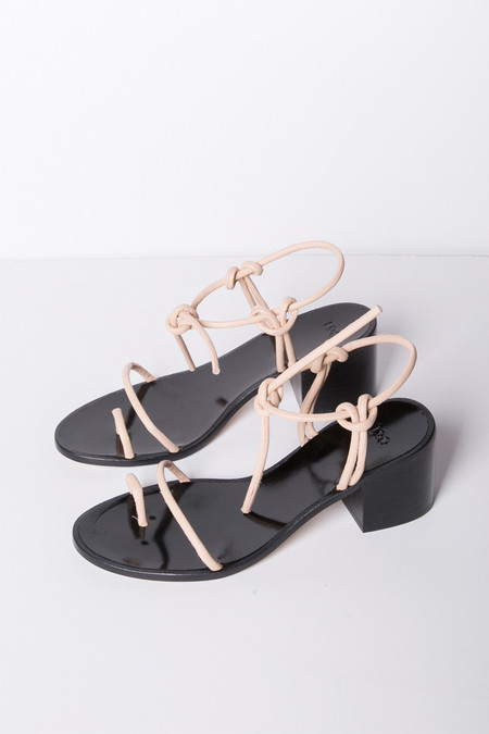 LOQ Xavi Sandals in Nude