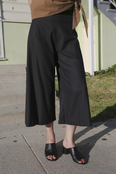 TOWN Clothes Quintana Culottes in Onyx Silk Noil