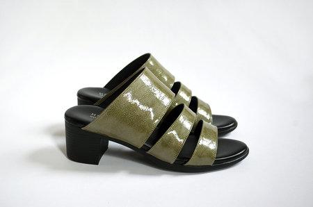 HOPP Three Strap Sandal - Olive Patent