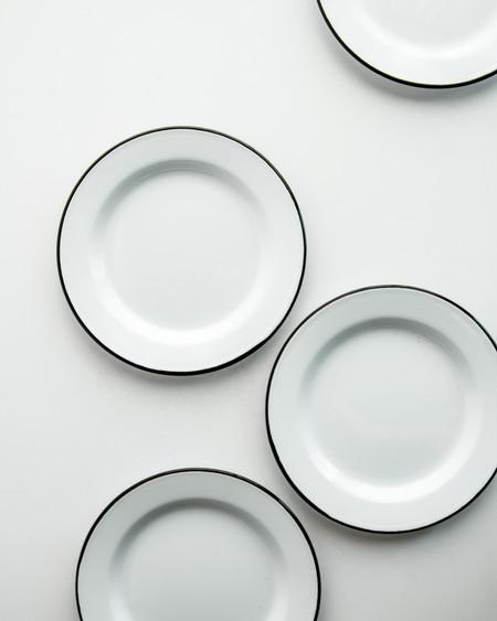 Falcon Enamel Plate Set