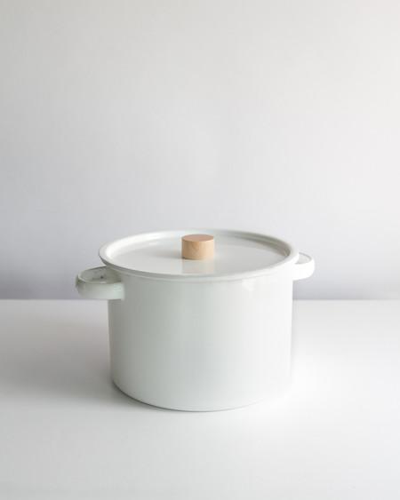 Saikai Kaico Enameled Stock Pot w/ Strainer Insert