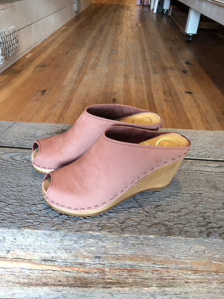 No.6 avery wedge clog