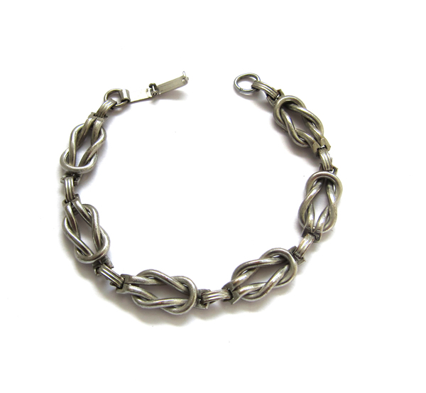 Vintage Collection Silver Knot Bracelet