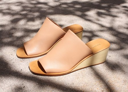 Rachel Comey Lyell Wedge in Polished Clay
