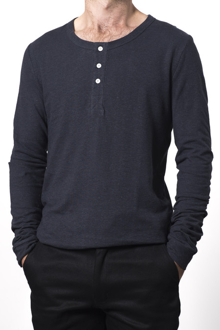 UNISEX GOOD STUDIOS HEMP JERSEY HENLEY TOP
