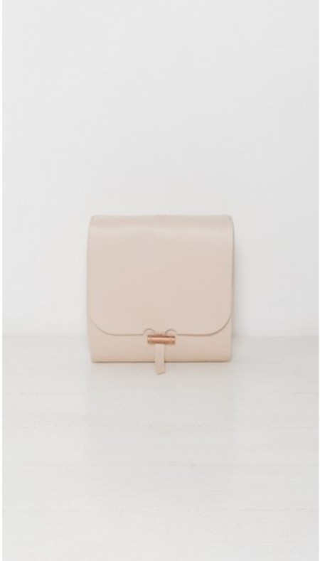 BARTLEBY LOTTE TRAVEL CLUTCH - NATURAL