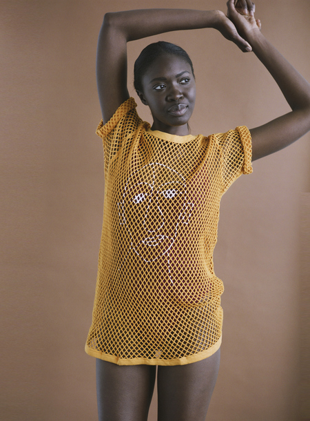 William Okpo MAN FACE MESH TEE - GOLDEN YELLOW