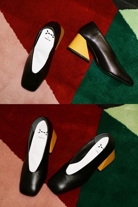 Yuul Yie Square Toe Heel - Black
