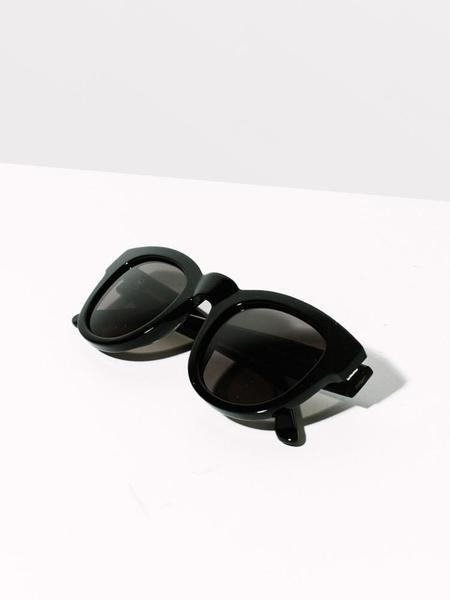 Sun Buddies Type 04 / Jodie - Black