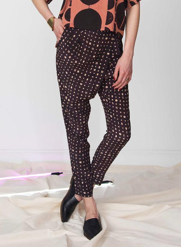 Seek Collective Madhavi pants | black/cream portals print