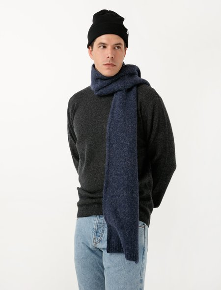 Norse Projects Mens Norse Brushed Scarf - Navy