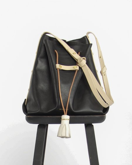 My Deer Fox Bucket Bag in Black
