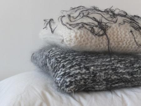 doucement suzanne pillow