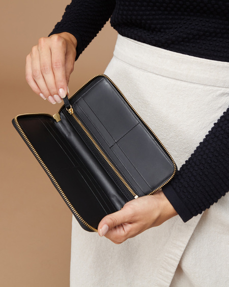 The Stowe Zip Wallet - Black