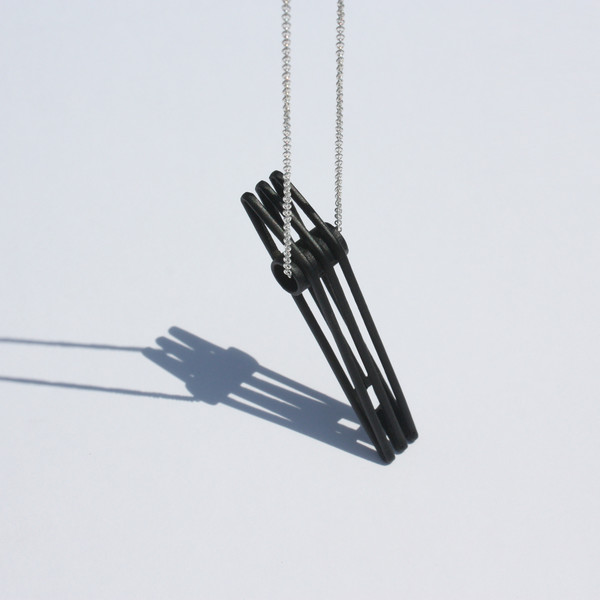 Metalepsis Projects Bridge Necklace | matte black