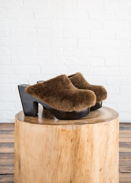 No.6 Kira Clog Hazel on Coffee