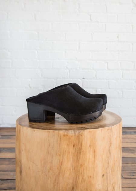 No. 6 New School Clog Black Pony