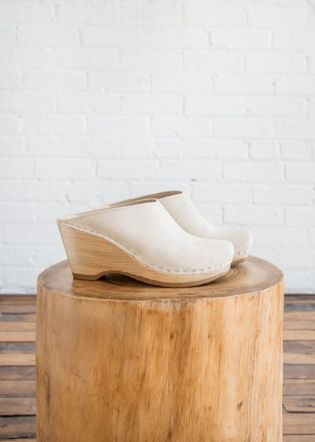 No. 6 New School Clog Chalk Suede