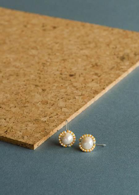 Zelda Murray Pearl Earrings - Yellow/Whiite