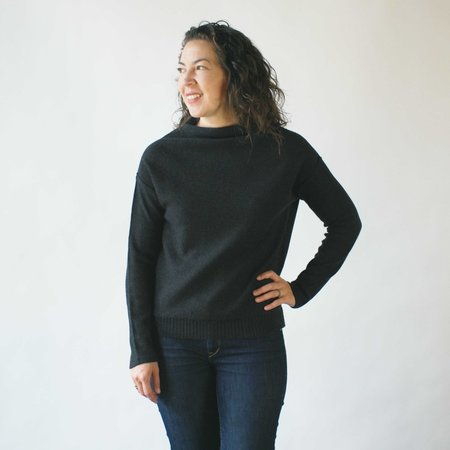 Erdaine Diamond Sweater in Charcoal