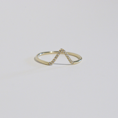WWAKE White Diamond Triangle Ring