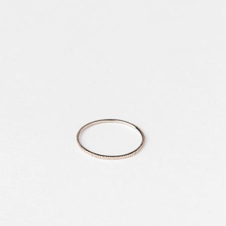 SATOMI KAWAKITA 18K White Gold Petite Etched Ring